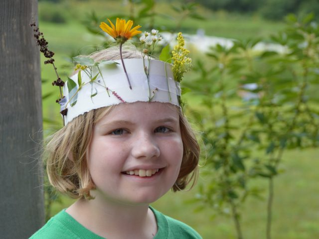 Nature Escapes for Kids: Create Your Own Headdress